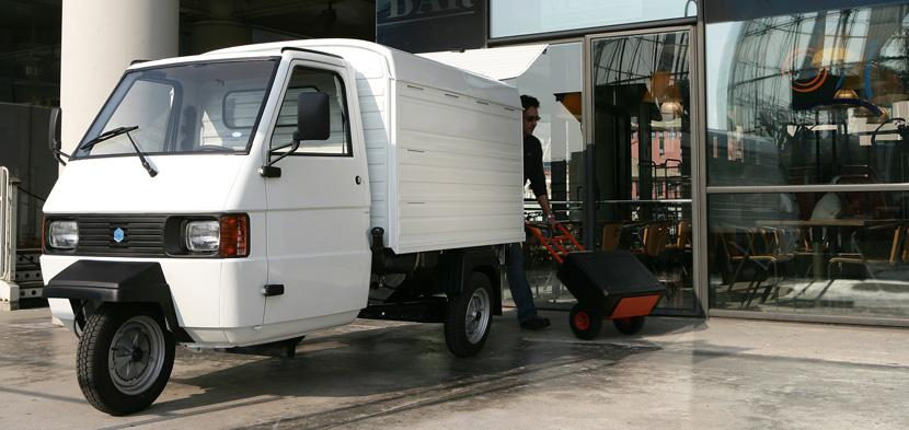 ape tm panel van piaggio commercial vehicles. Black Bedroom Furniture Sets. Home Design Ideas